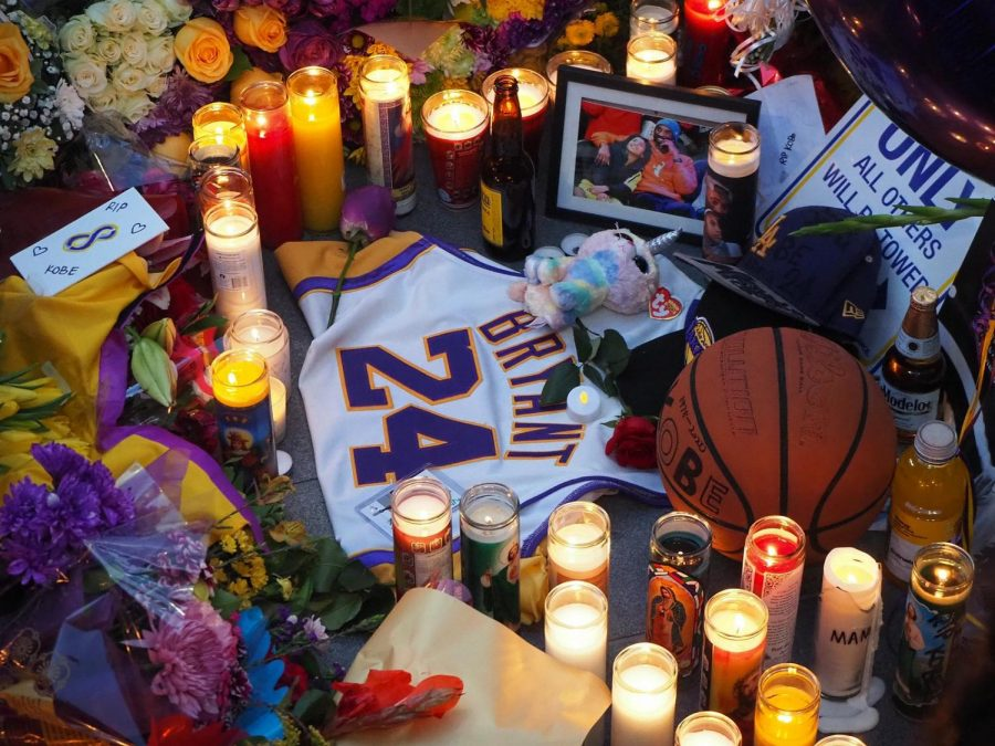 %5BCourtesy%3A+Wikimedia+Commons%5D+Photo+of+a+Fan-made+Memorial+Outside+of+Staples+Center